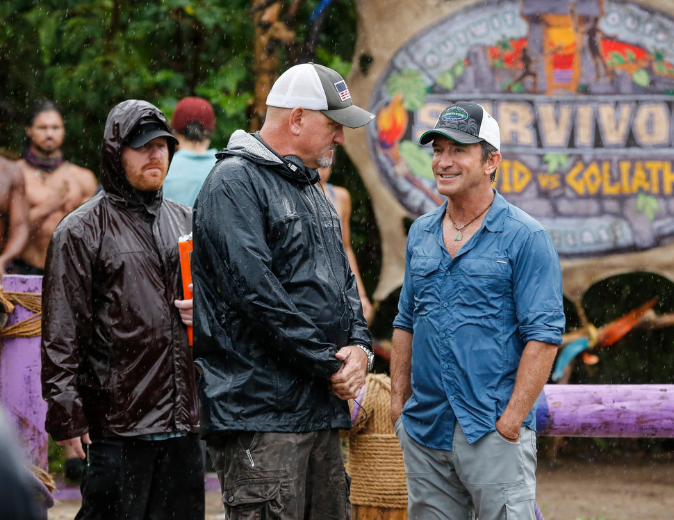 Kirhoffer and producer Jeff Probst on the set of Season 37.