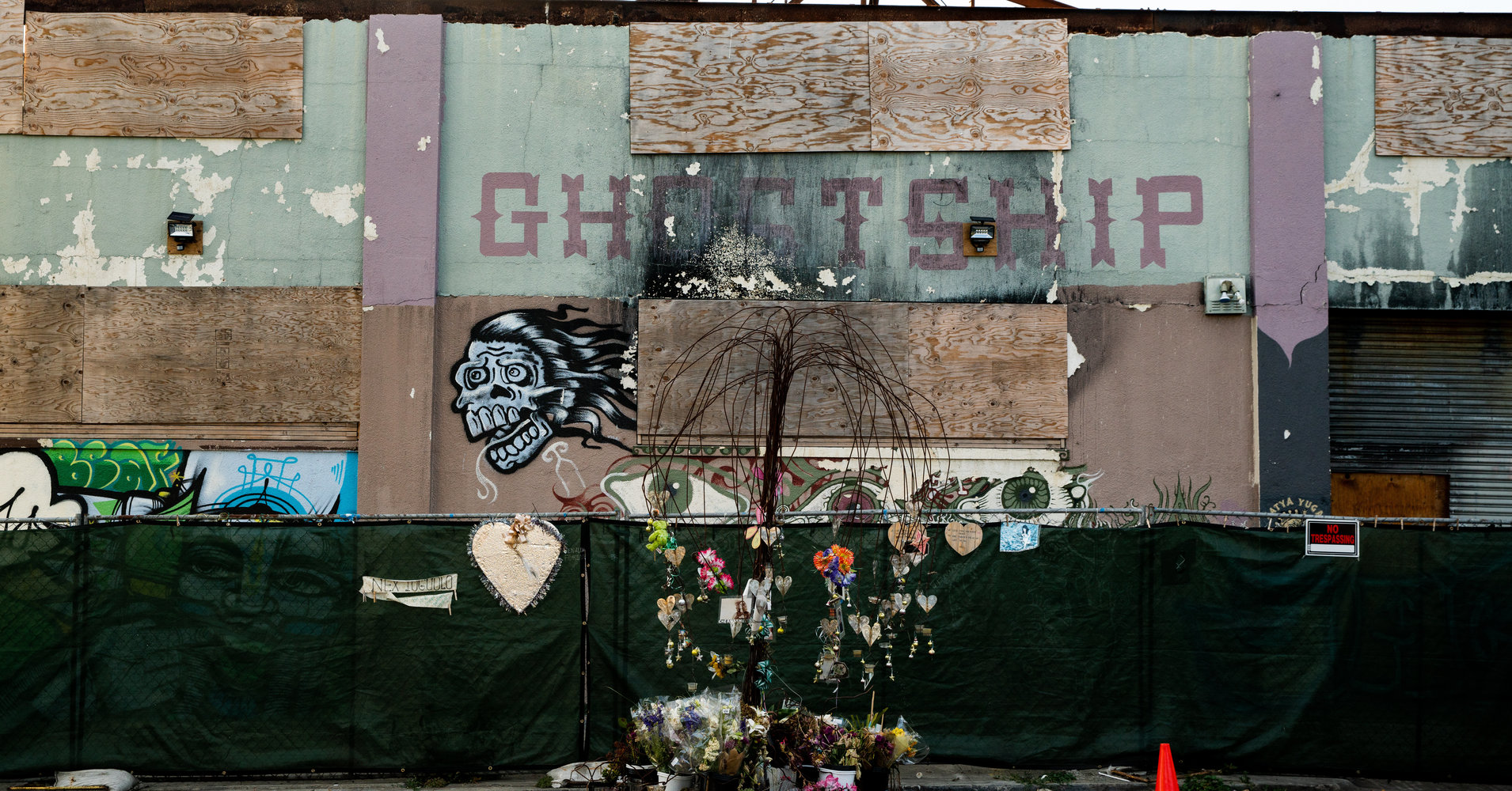 The Quasi-Conspiracy That Caused Oakland's Deadly Ghost Ship Fire