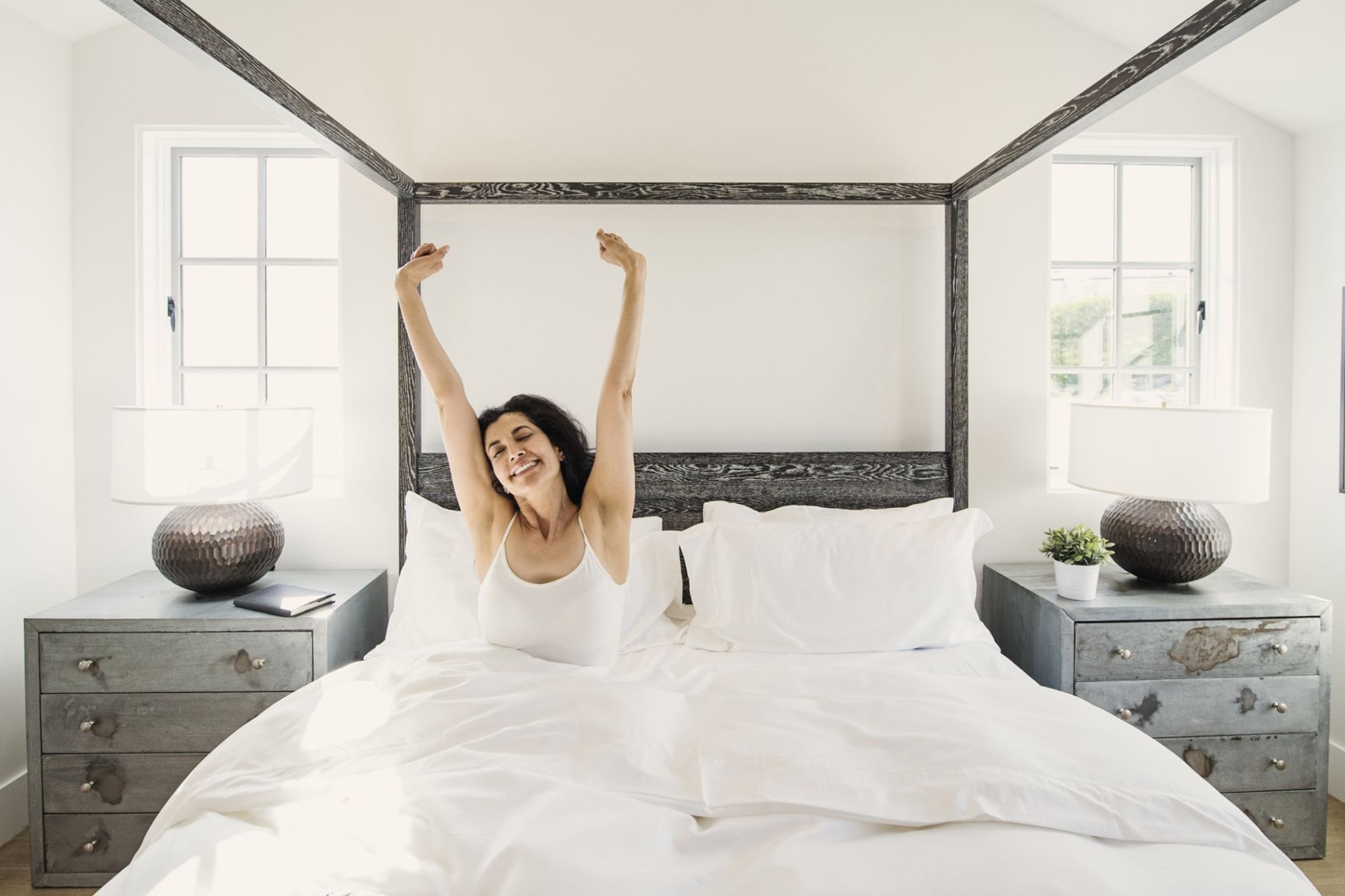 22 Guaranteed Ways to Wake Up Early and Energized