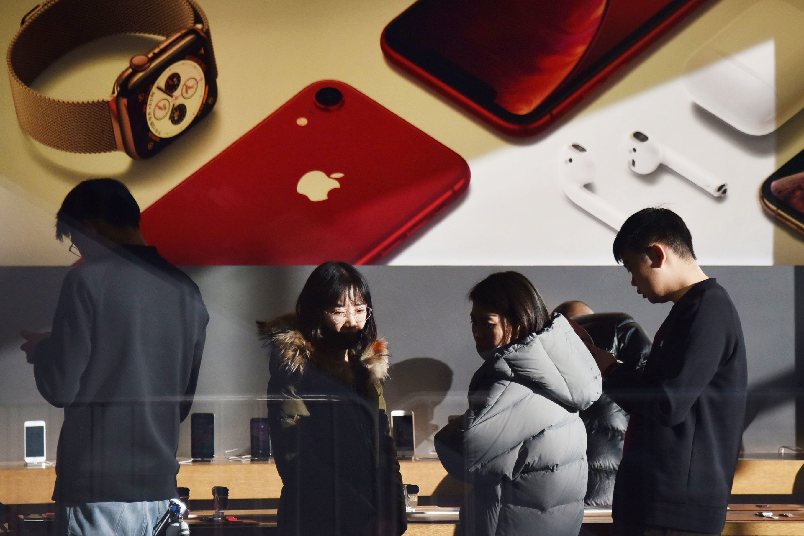 A growing number of Chinese consumers are switching from Apple's iPhone, paper says