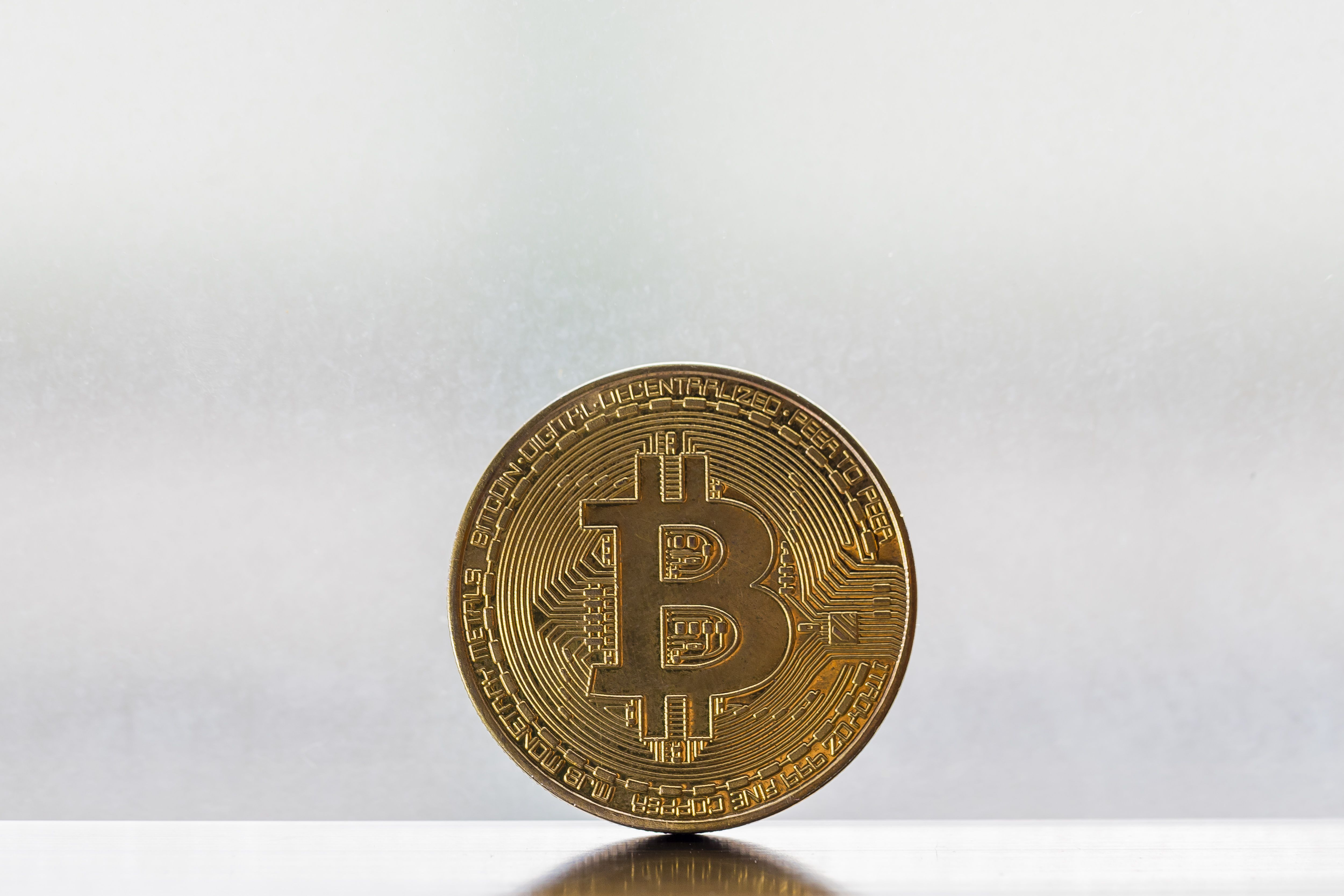 Bitcoin emerges as a global hedge while stocks tumble in US-China trade war