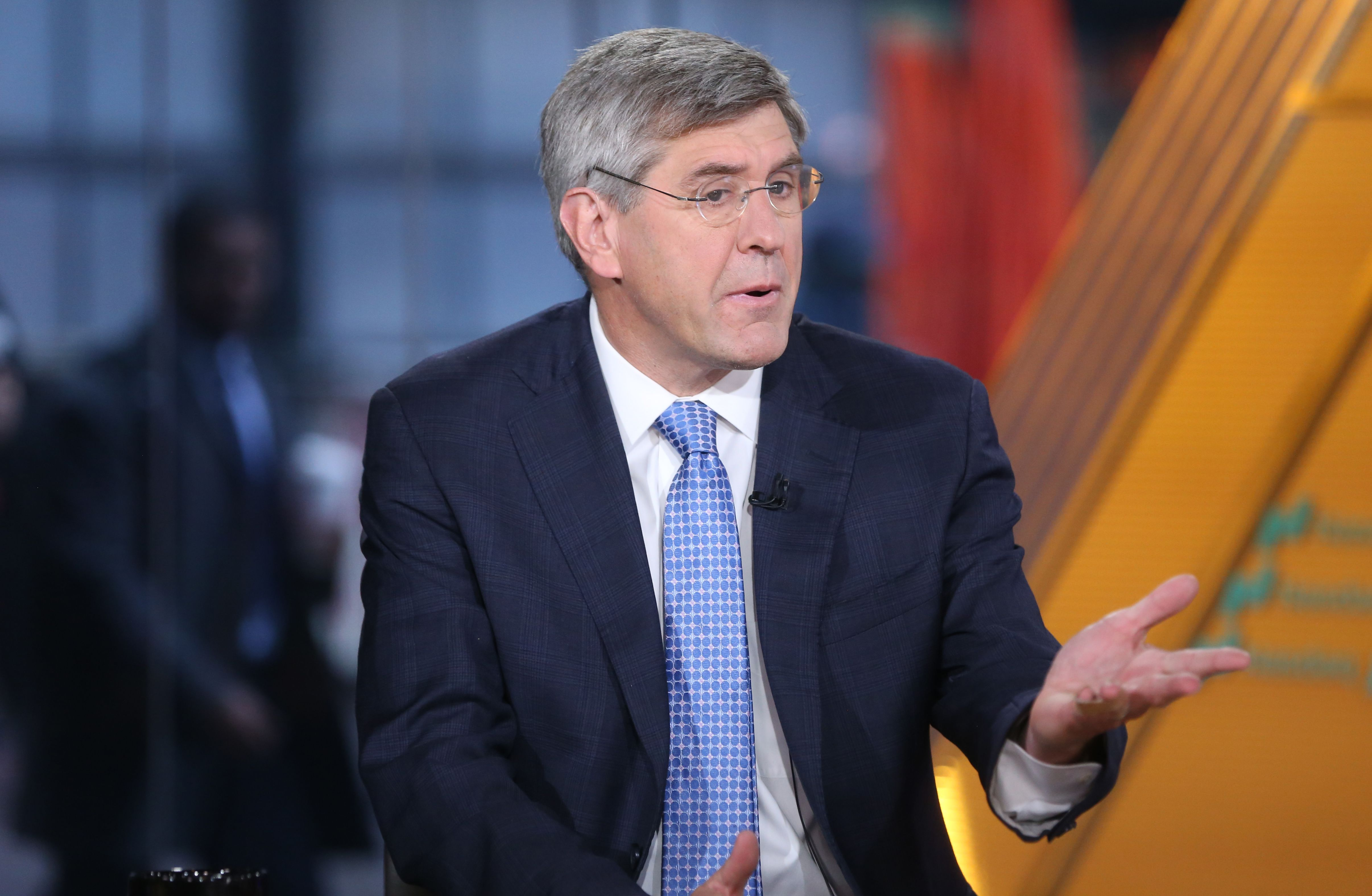 Stephen Moore says decline in 'male earnings' is big issue for economy