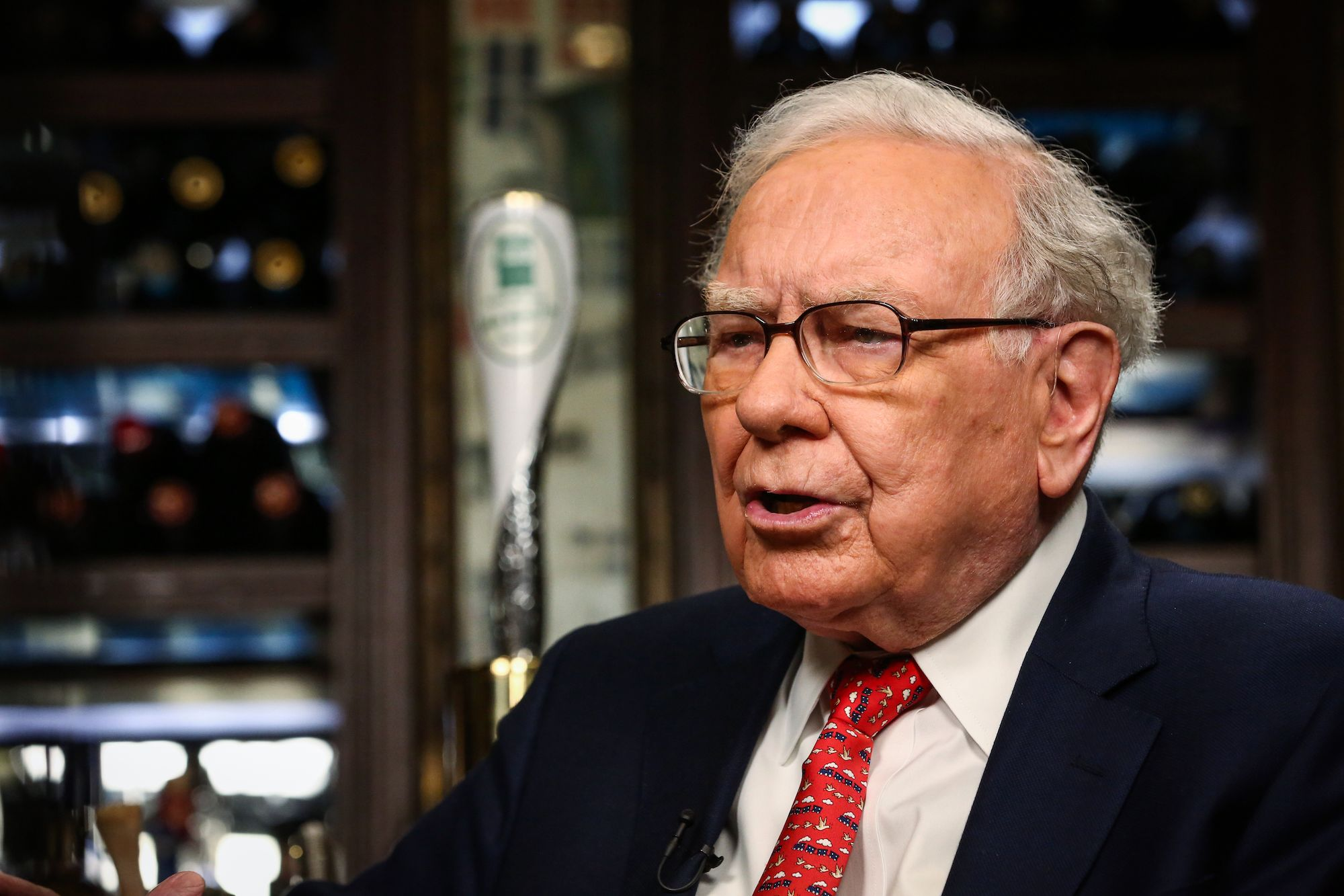 Warren Buffett Boosts Amazon and the Rest of the Tech Sector