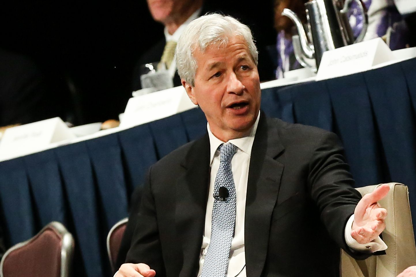 Dimon plays down Facebook's cryptocurrency experiment in call