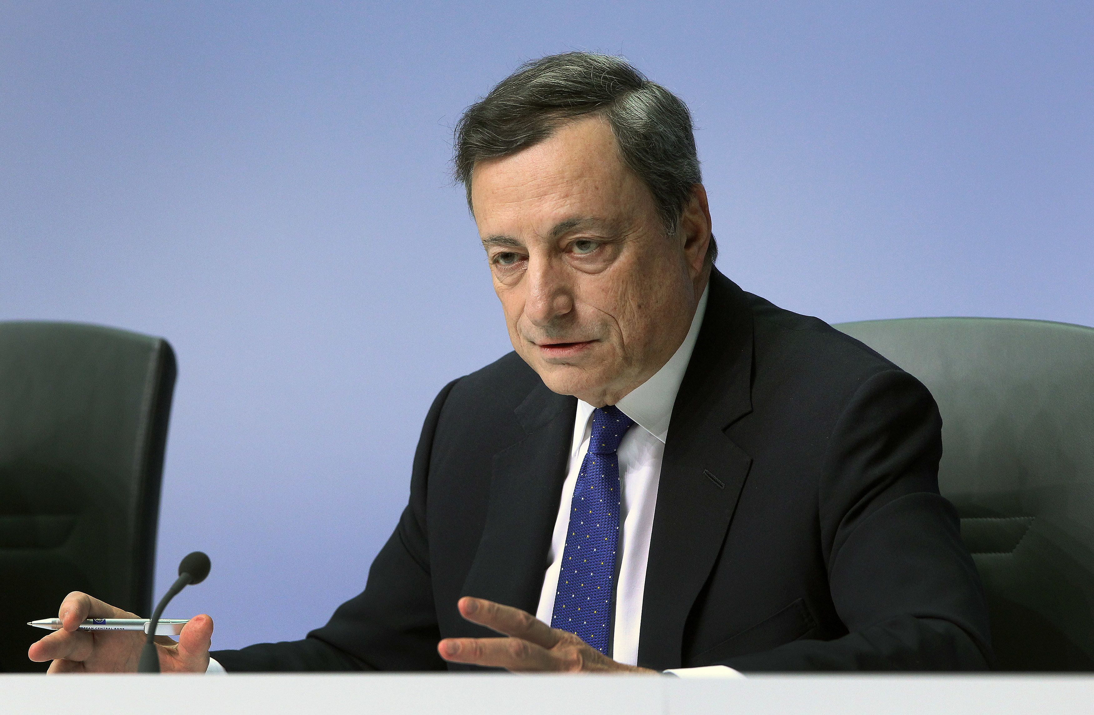 Draghi sparks a wild ride in markets, cements quarter-point Fed cut