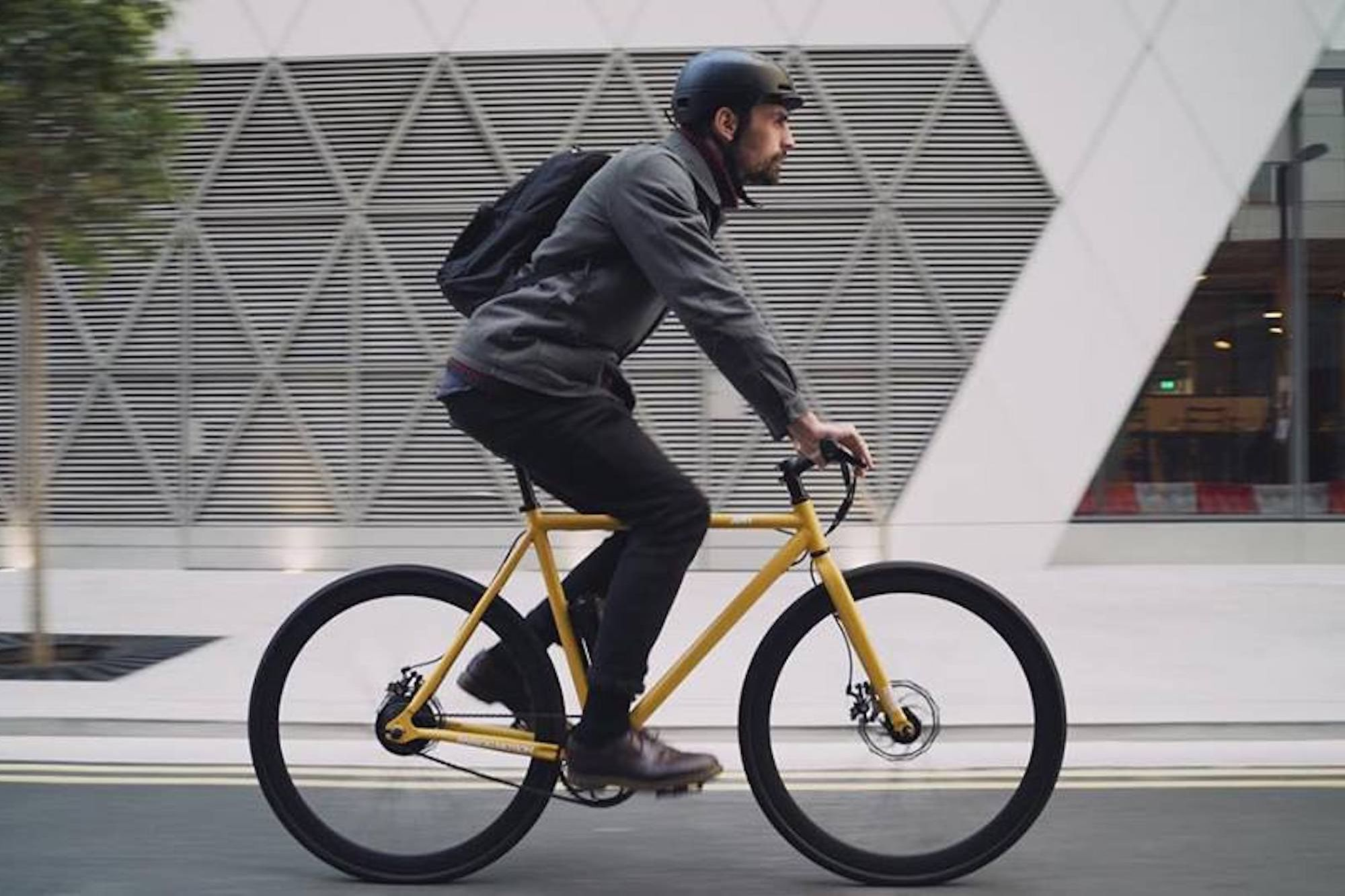 Get to Work in Style and Ease With This Snappy E-Bike