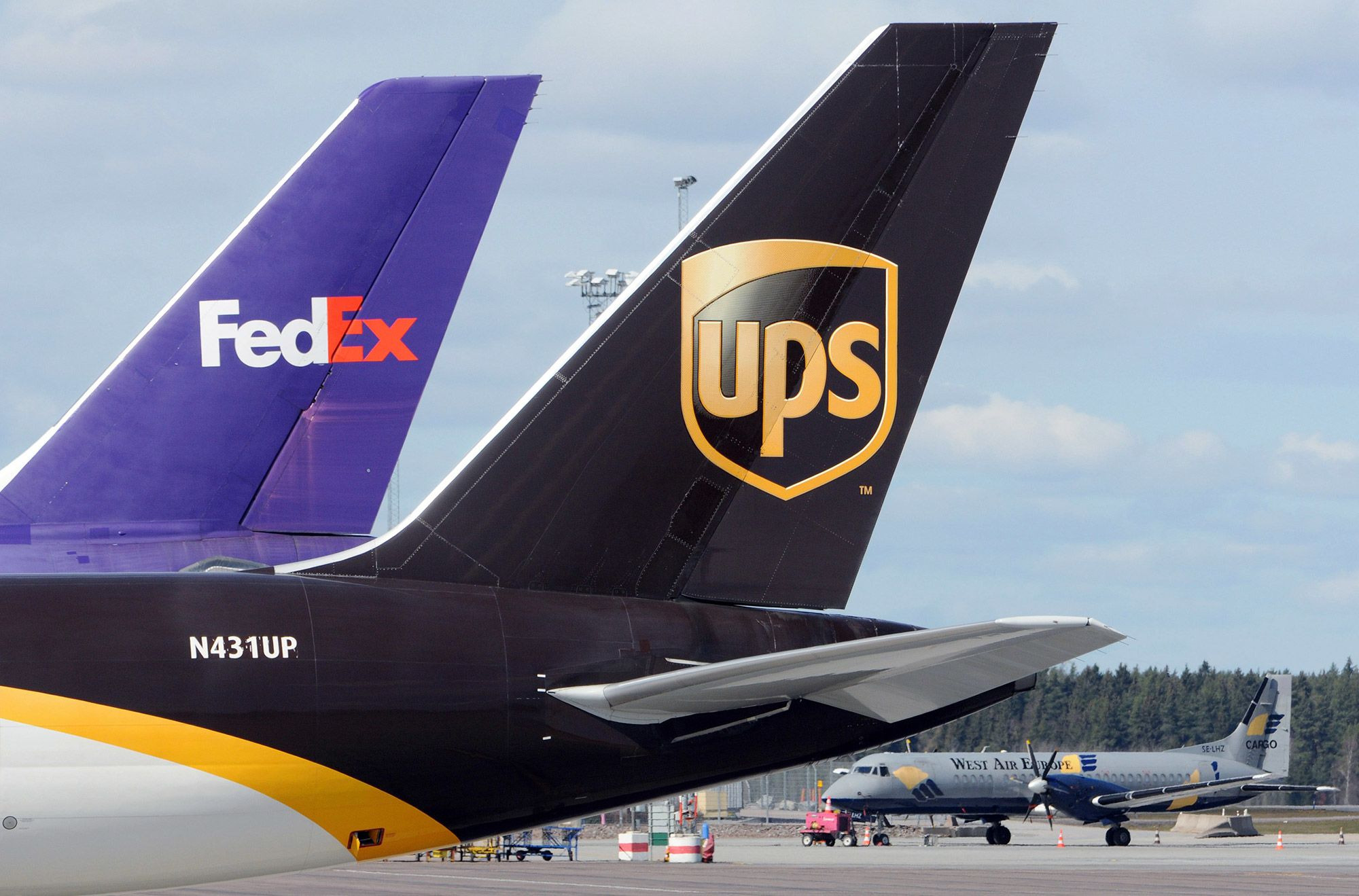 Goldman says buy UPS, Fedex because concern Amazon is cutting them out is overblown