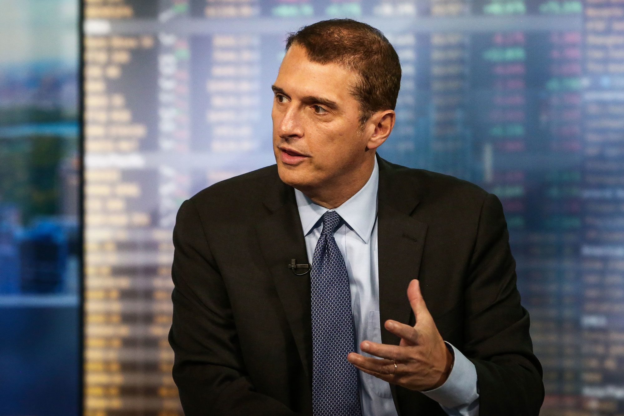 Market needs deep rate cut to prevent earnings recession: James Bianco