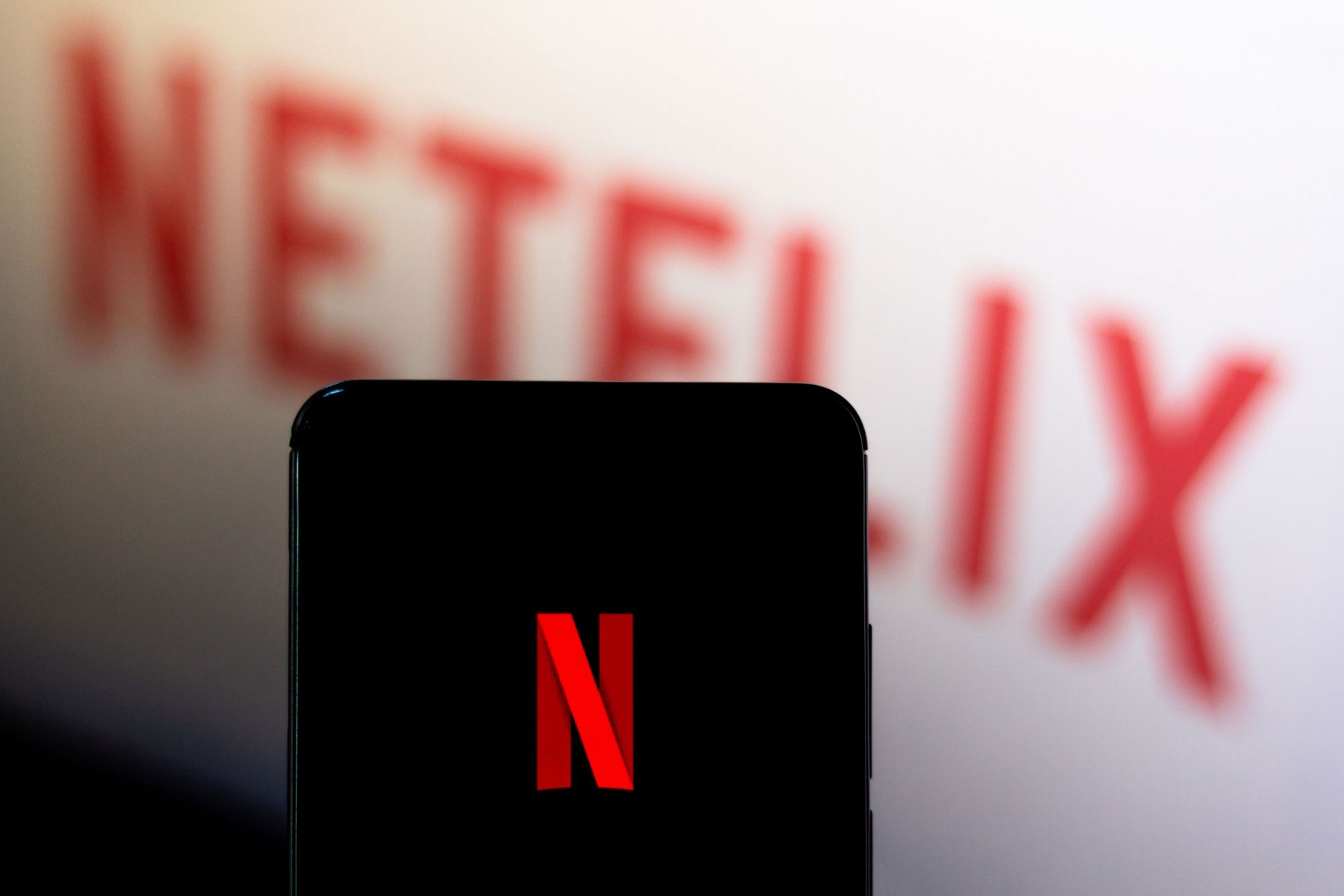 Netflix Gets Hammered After Losing U.S. Subscribers for First Time in 8 Years