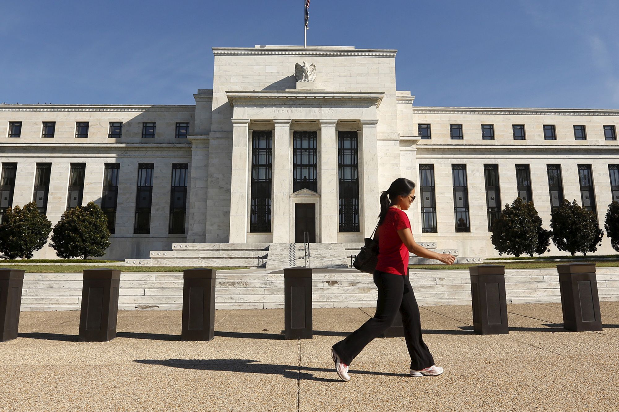 When the Fed cuts rates without a recession, stocks always go higher