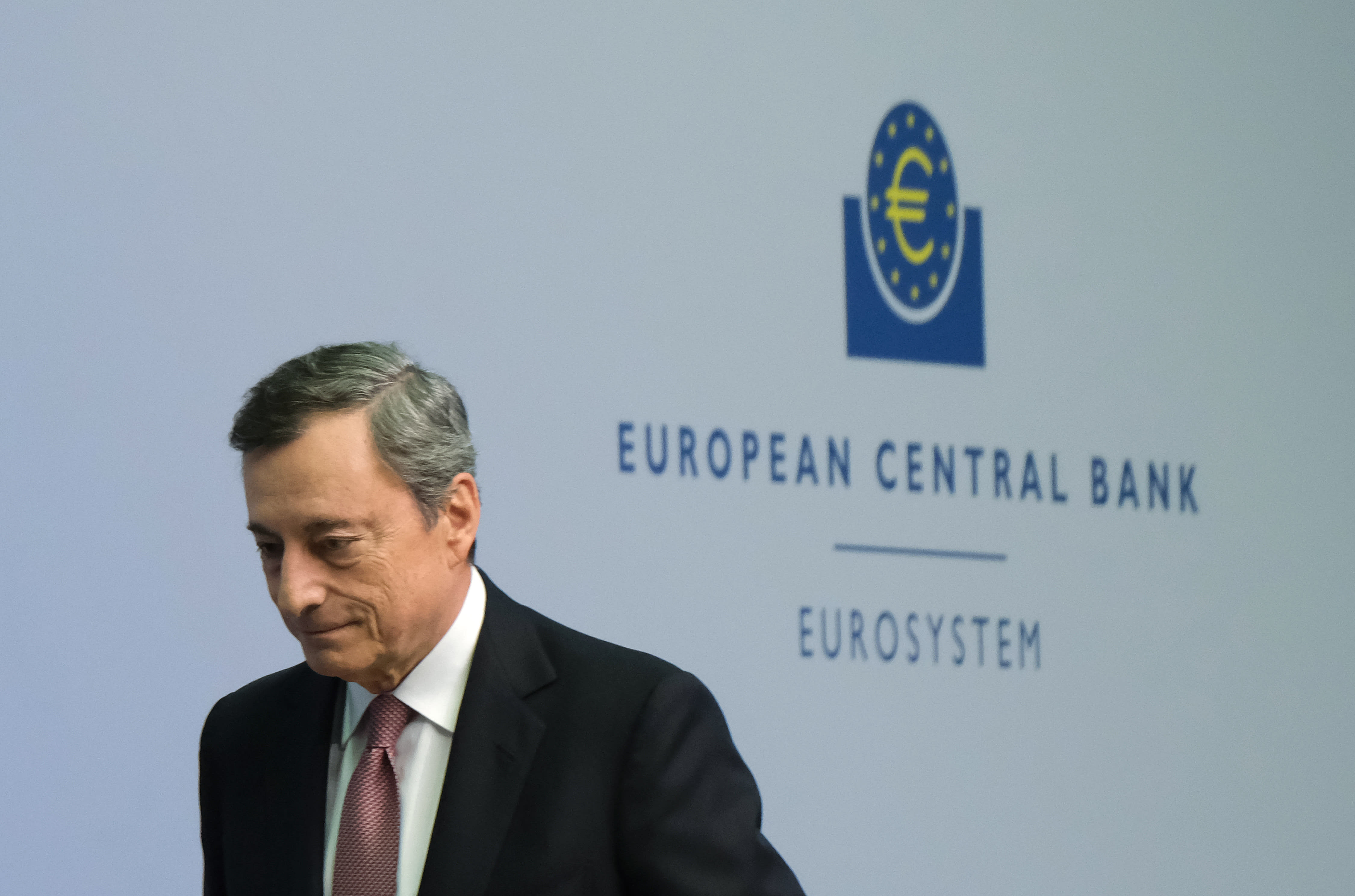 EIU sees risk of bank failure in Europe that could lead to recession