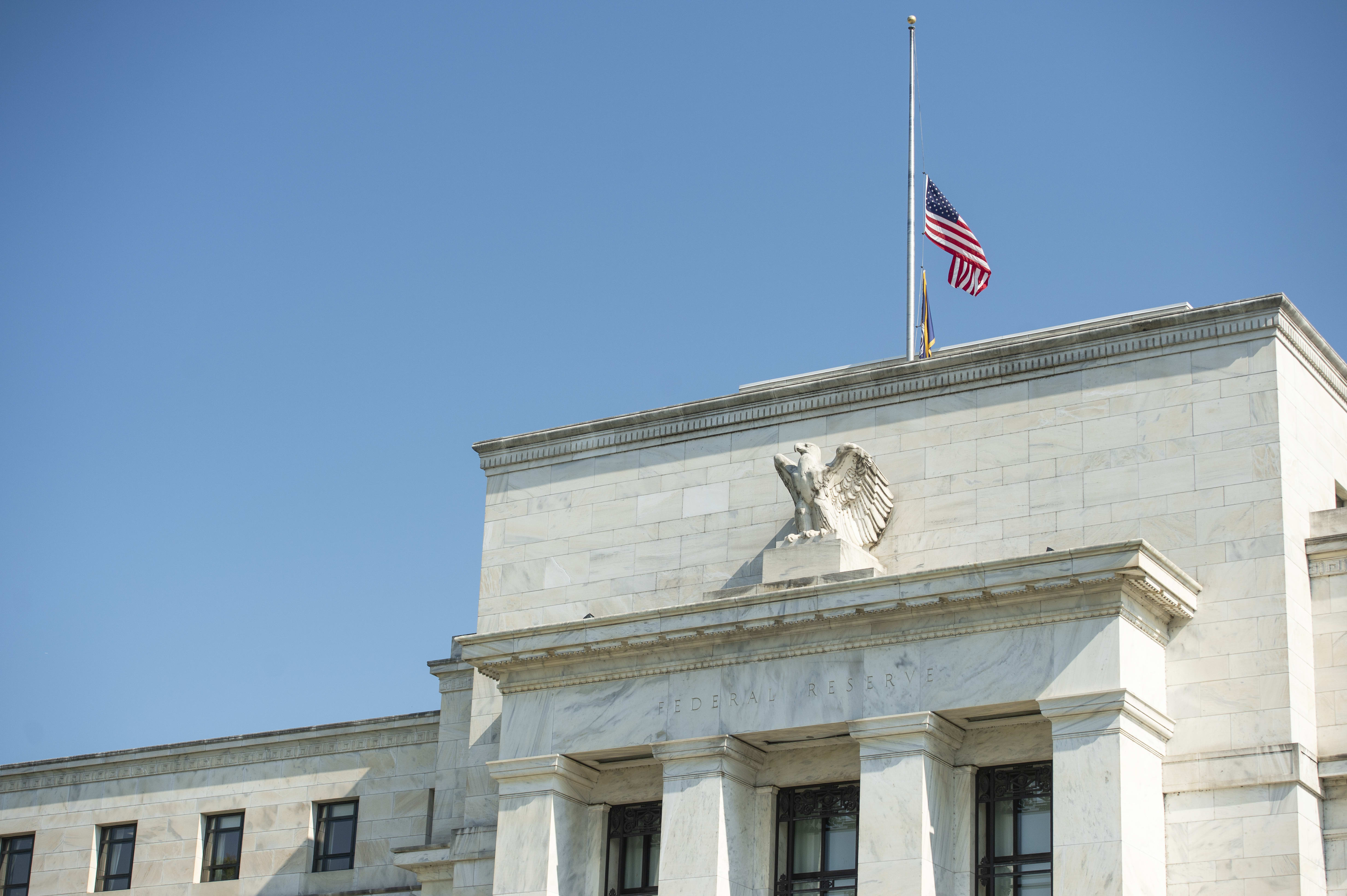 Fed September dot plot forecasts no further rate cuts, but members divided