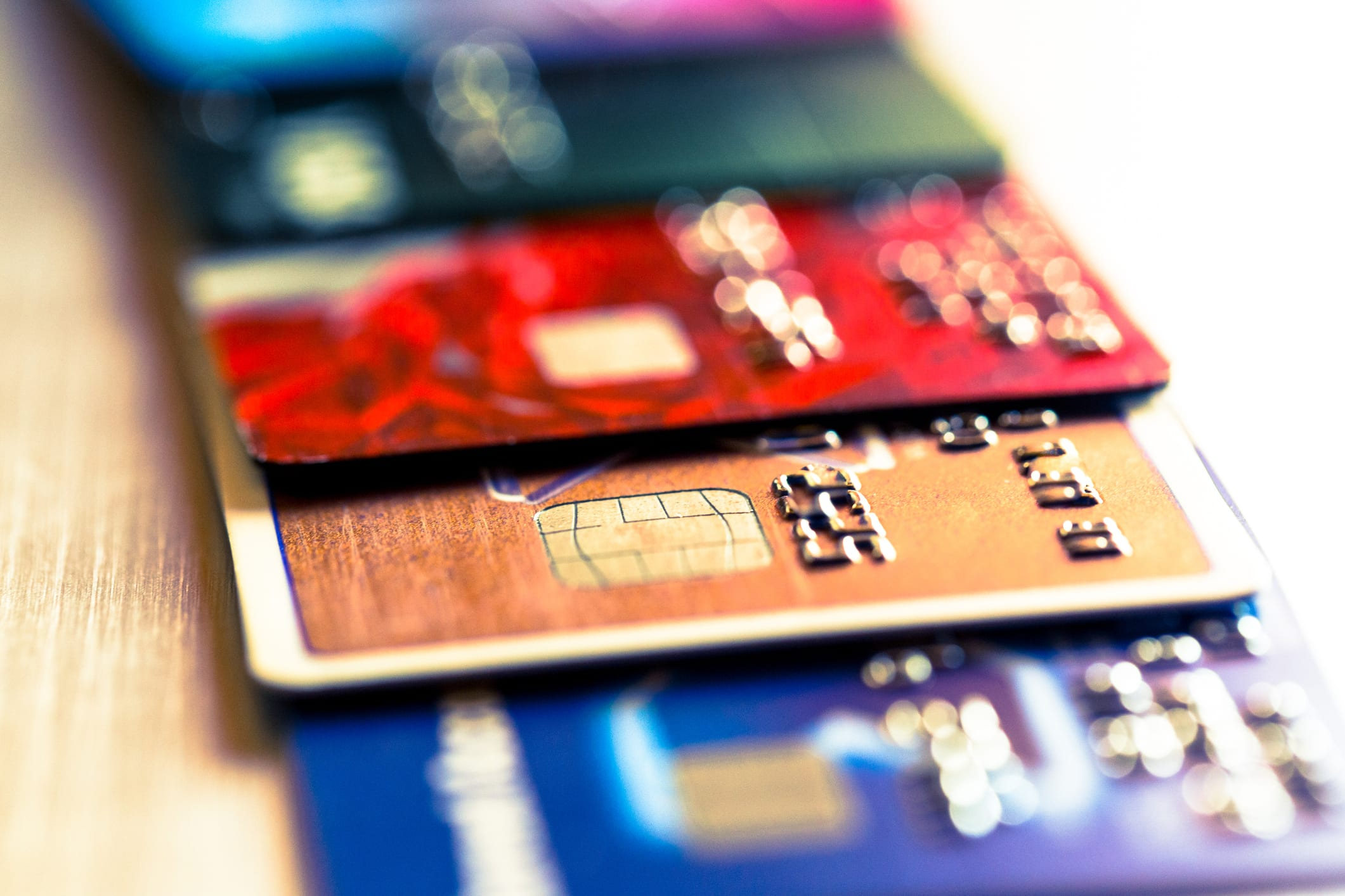 Credit card industry reins in balance-transfer offers as banks from JPMorgan to Amex fear defaults