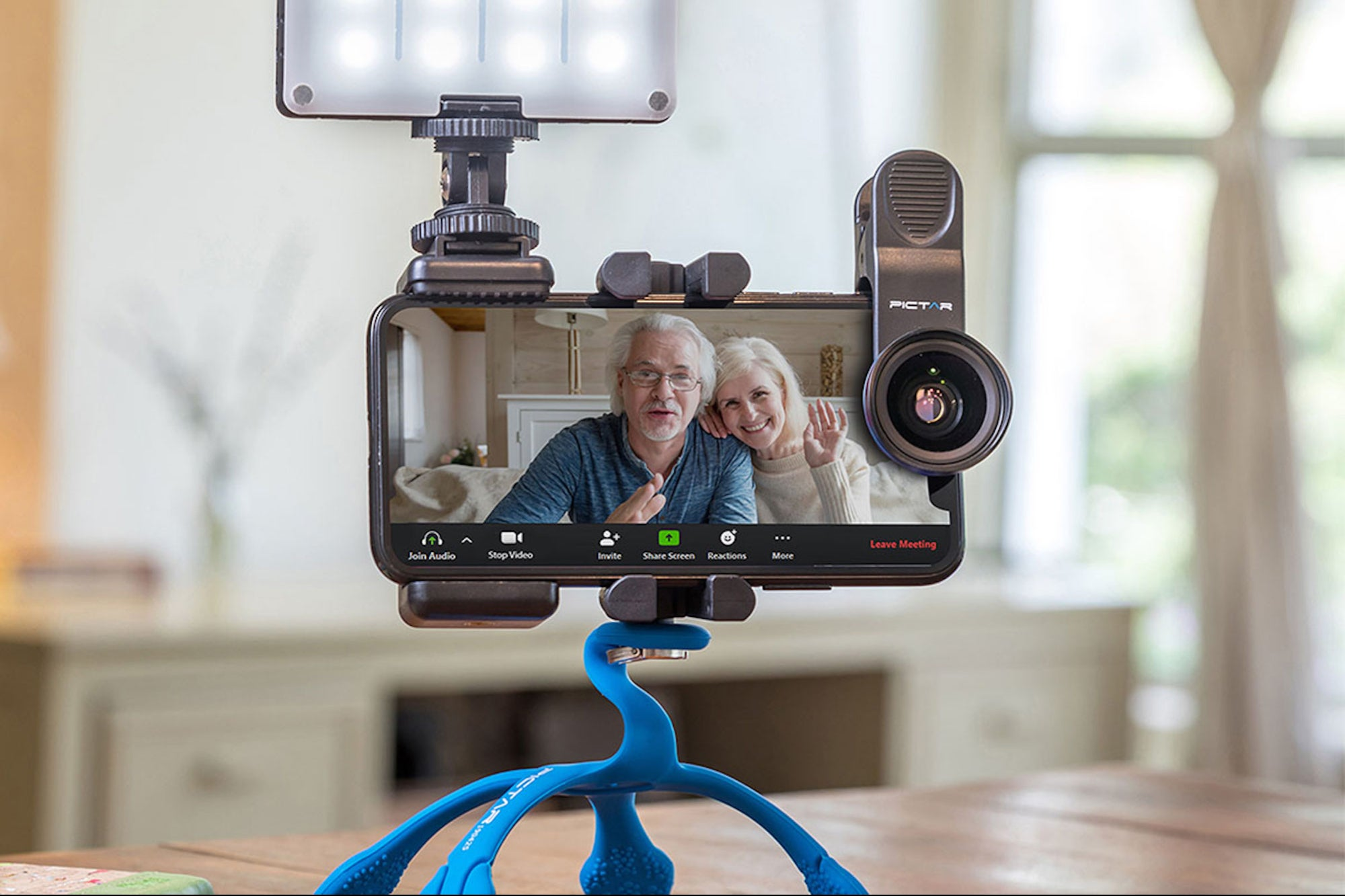 This Smartphone Video Kit Puts a Professional Spin on Your Zoom Calls and Webinars