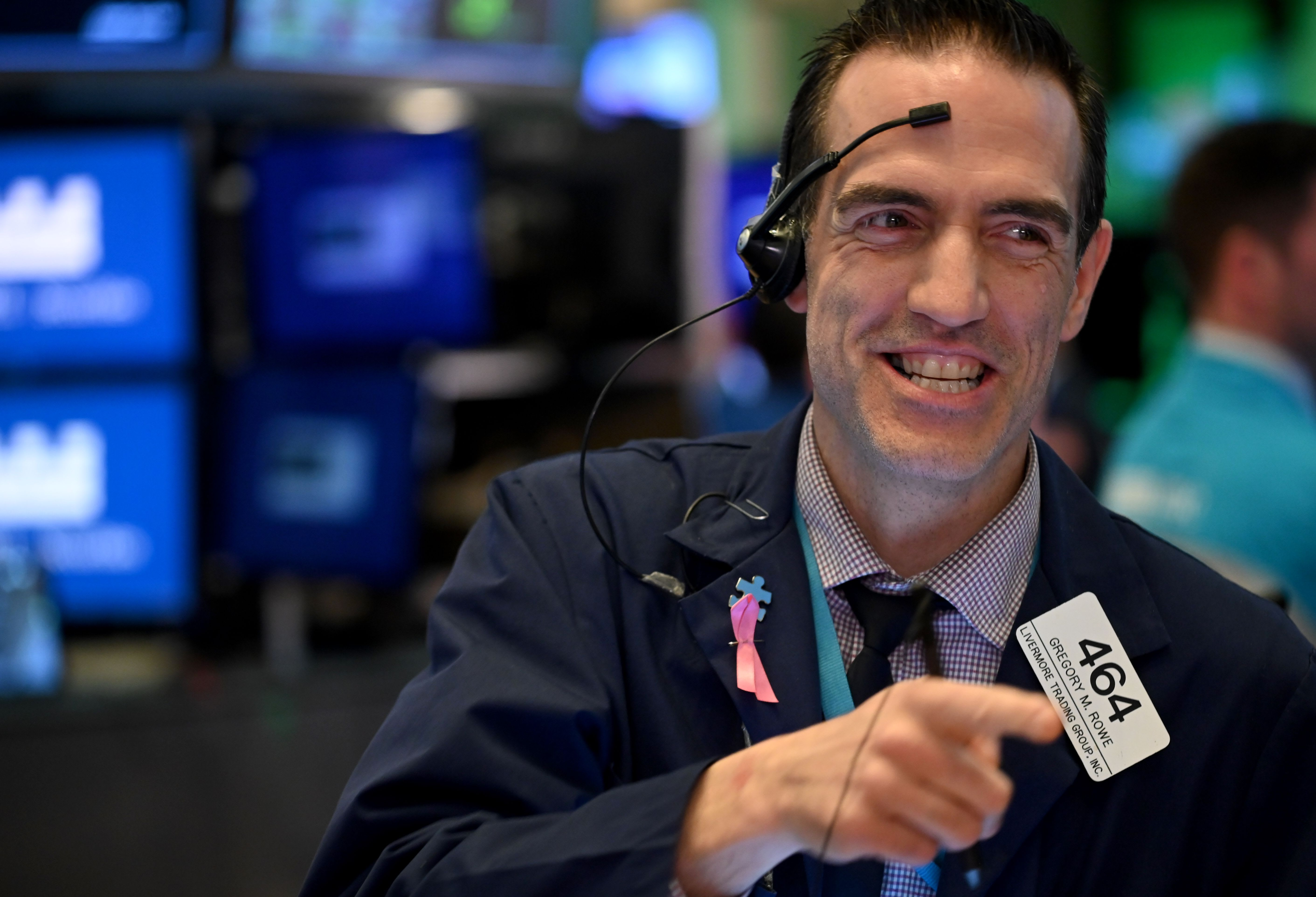 What happened to the stock market on Friday: Strong data lifts stocks