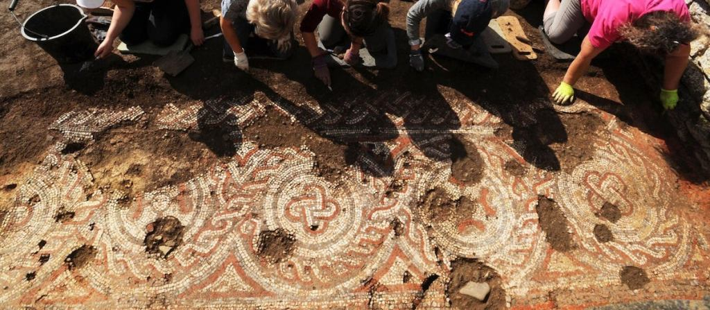British Archaeologists Unearth 'Tremendously Exciting' Ancient Roman Mosaic