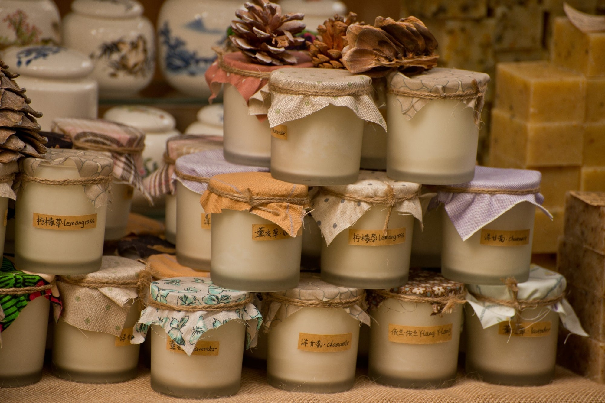 Business idea: Open a boutique service of scented candles