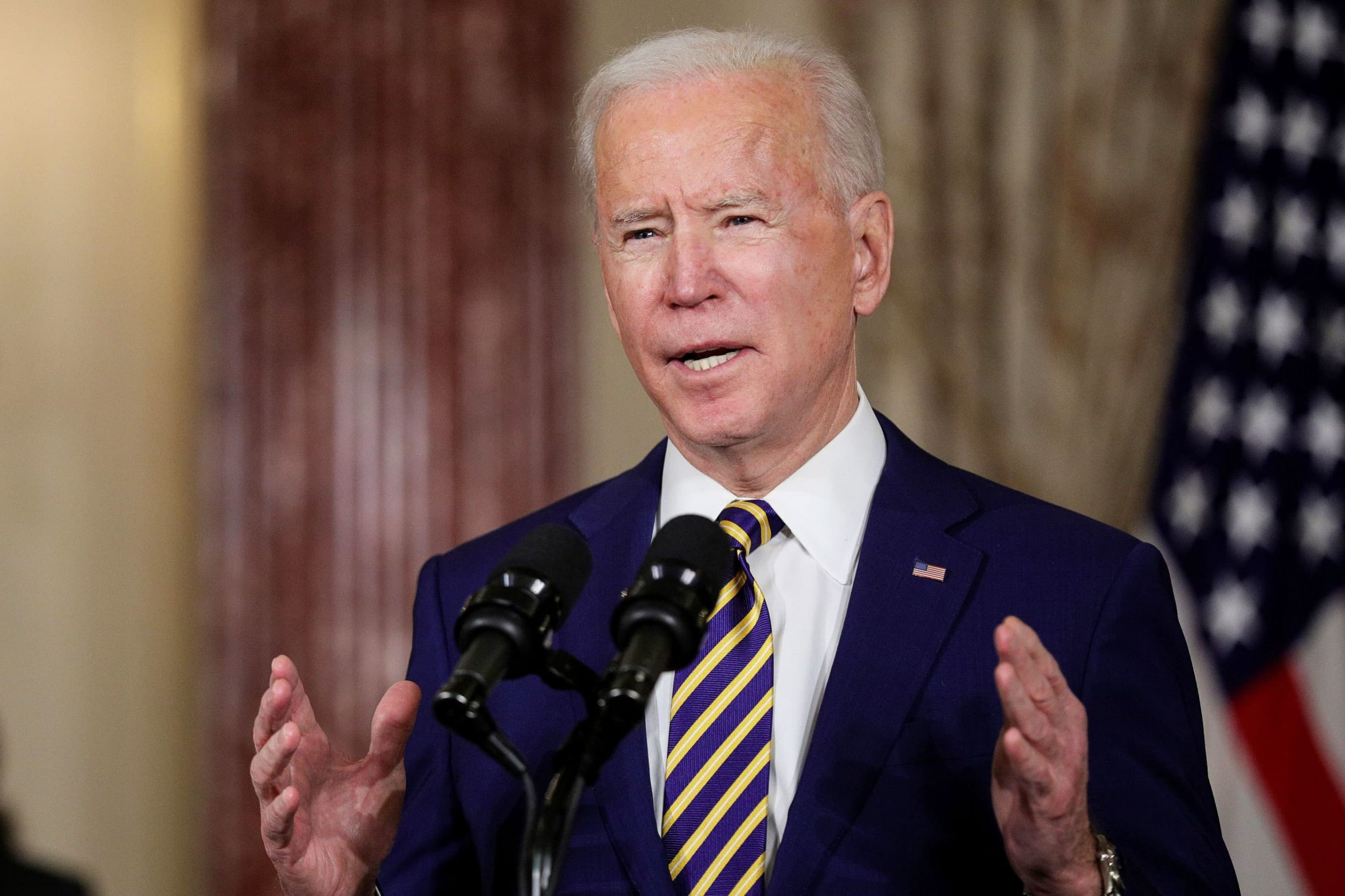 Biden says $15 minimum wage won't survive Covid relief talks, promises to push for pay hike later
