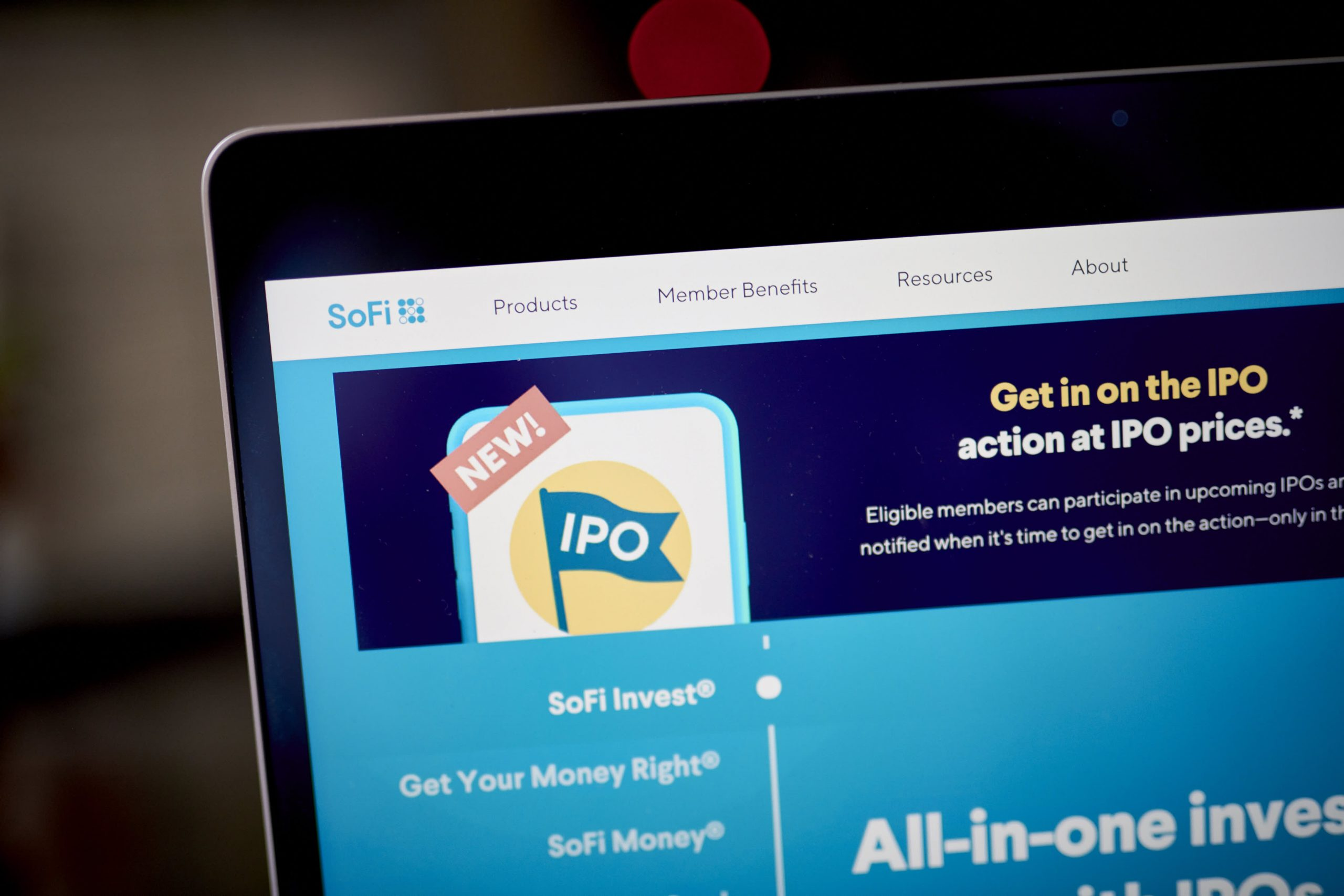 SoFi to give amateur investors early access to IPOs in break from Wall Street tradition