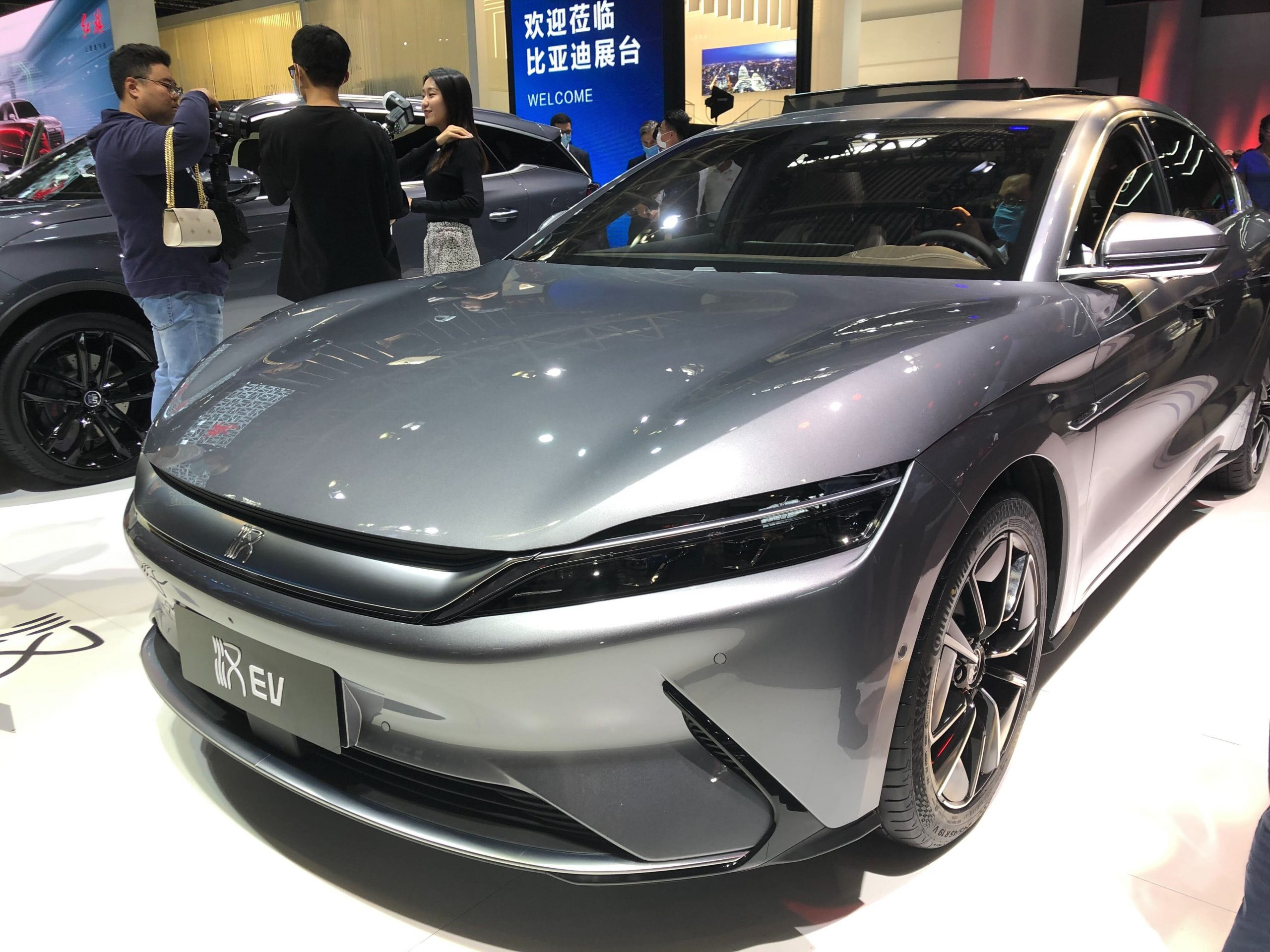 Warren Buffett-backed automaker sells more electric cars in March than Nio and Xpeng delivered