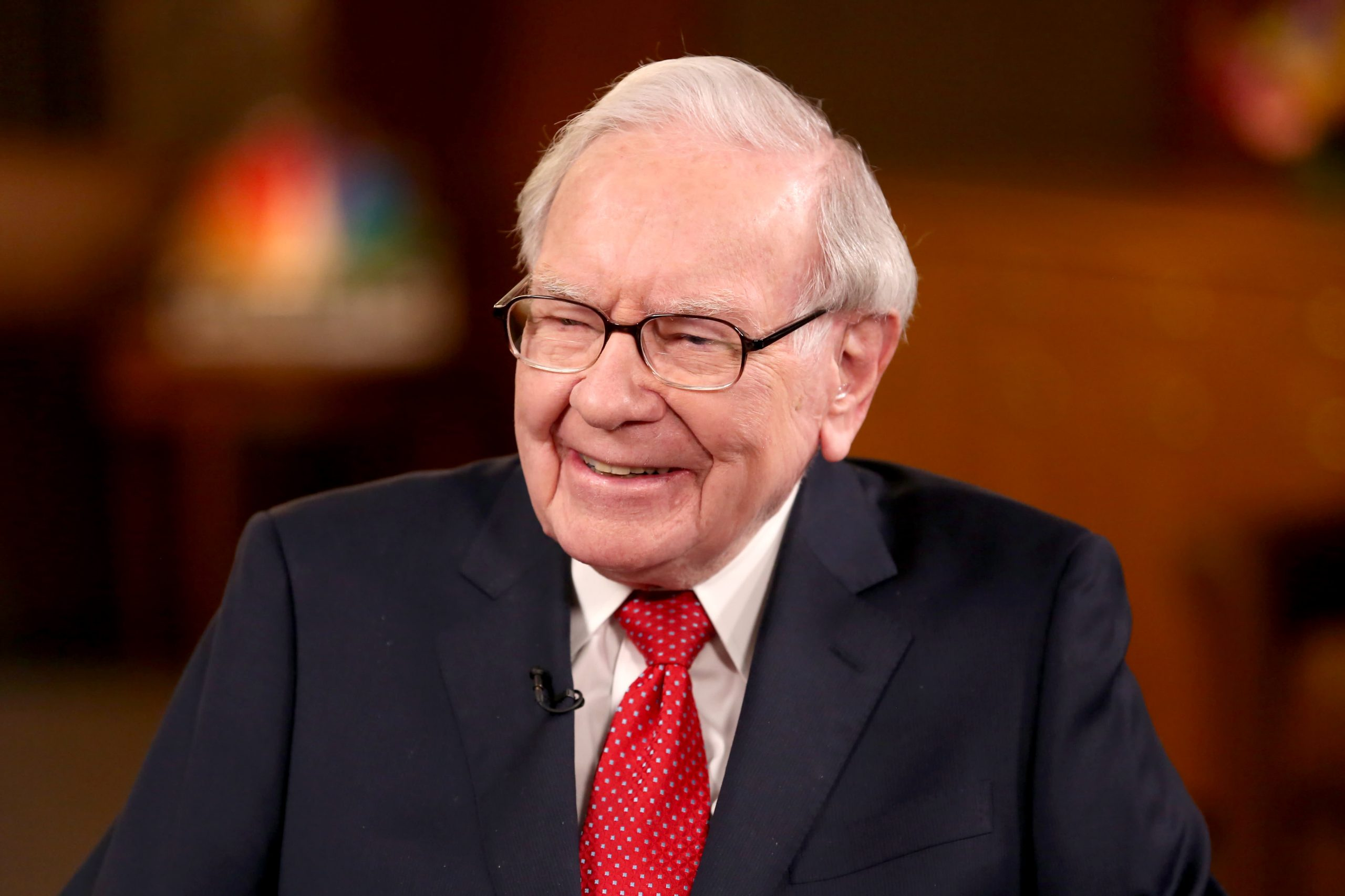 Berkshire Hathaway's operating earnings jump, Buffett continues to buy back stock