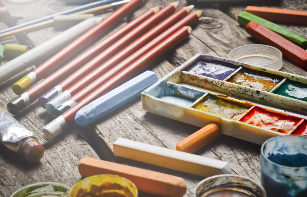 The Best Art Sets and Gift Boxes for Adults