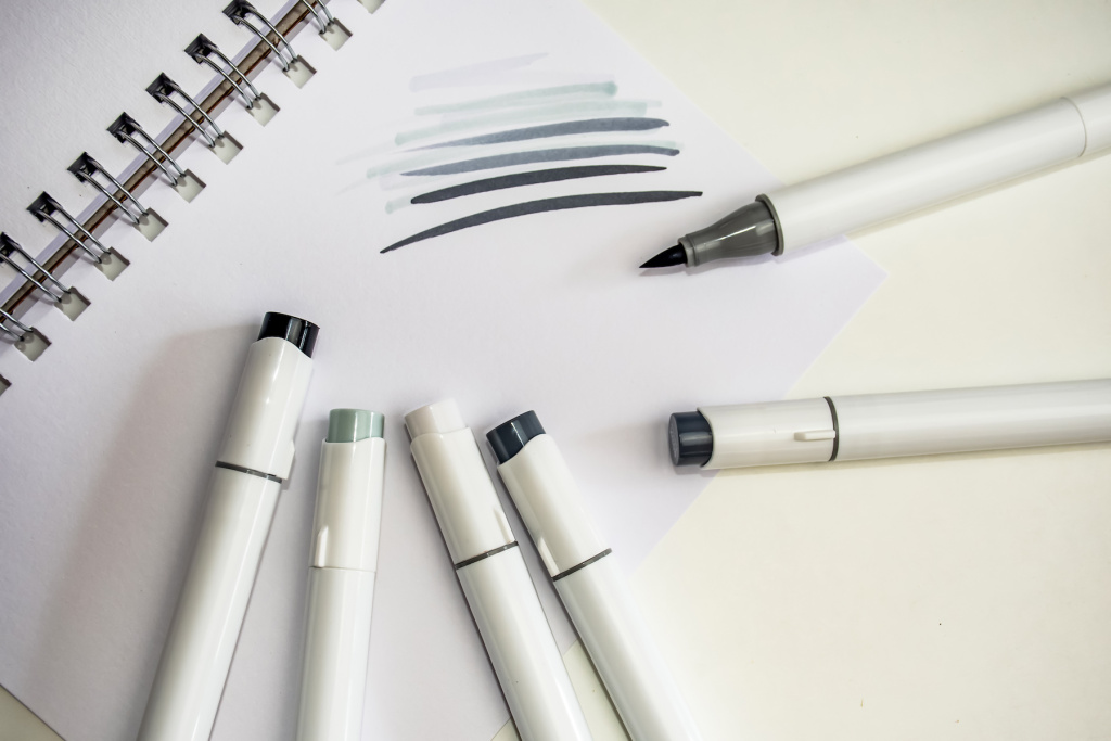 The Best Brush Pen and Dual-Tip Brush Pen Sets with Gray Inks