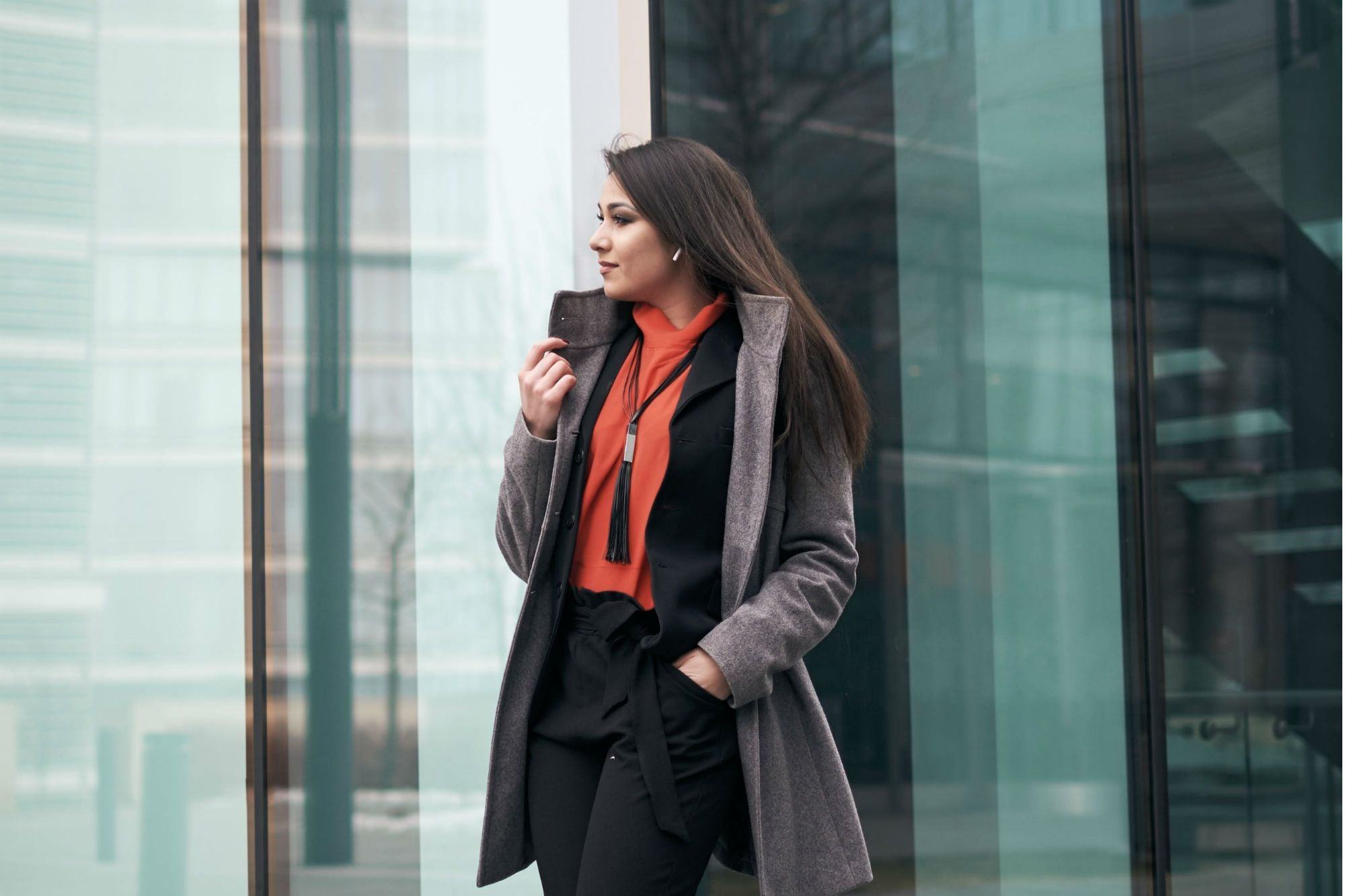 Dress like the leader you are: 6 secrets of the female image
