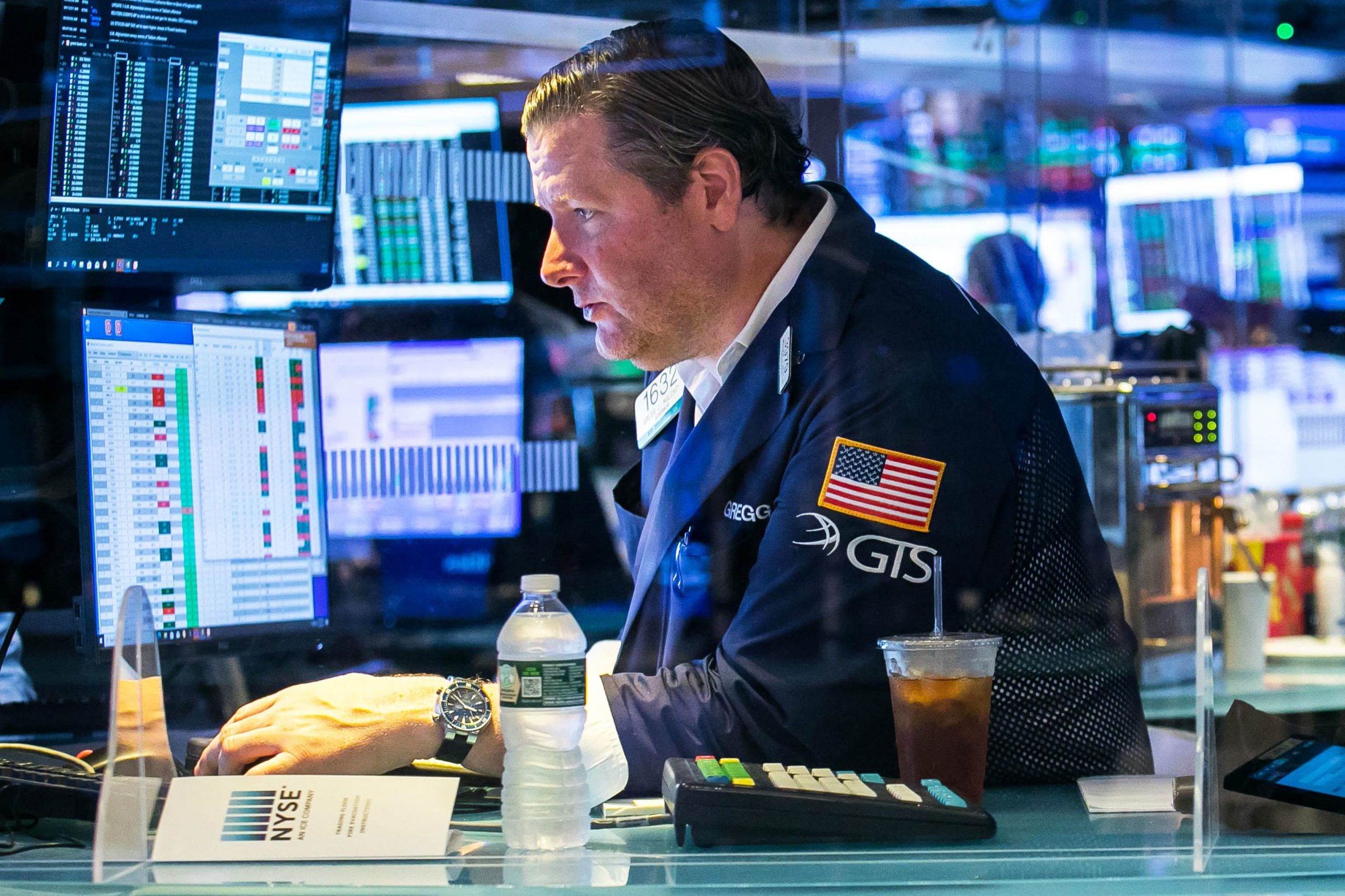 Stock futures are flat as S&P 500 sits at record, Wall Street gets set to kick off second half of 2021
