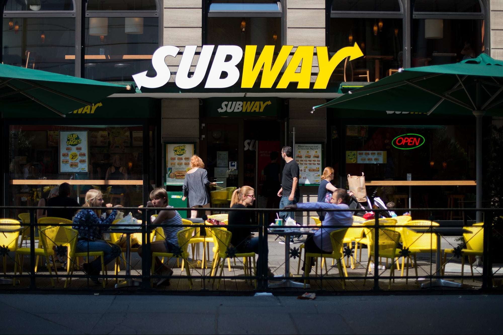 Subway Implements Brutal New Contracts for Franchisees