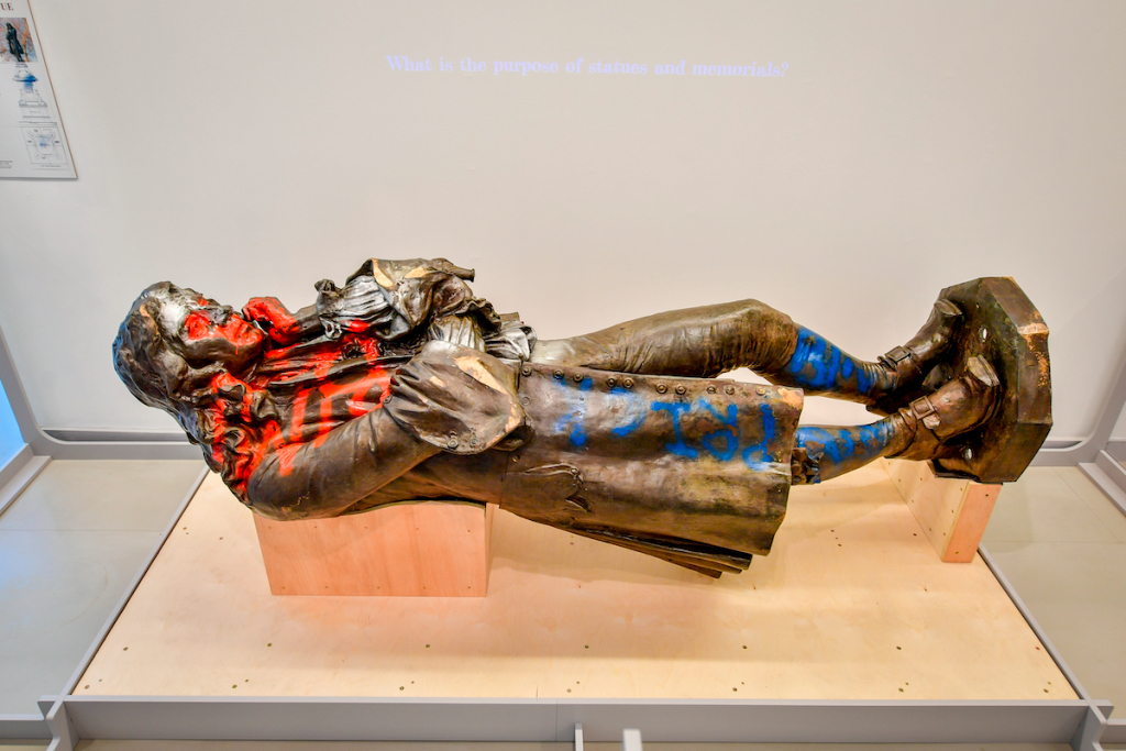 Toppled Statue of Slave Trader Goes On View in Bristol, Generating Controversy