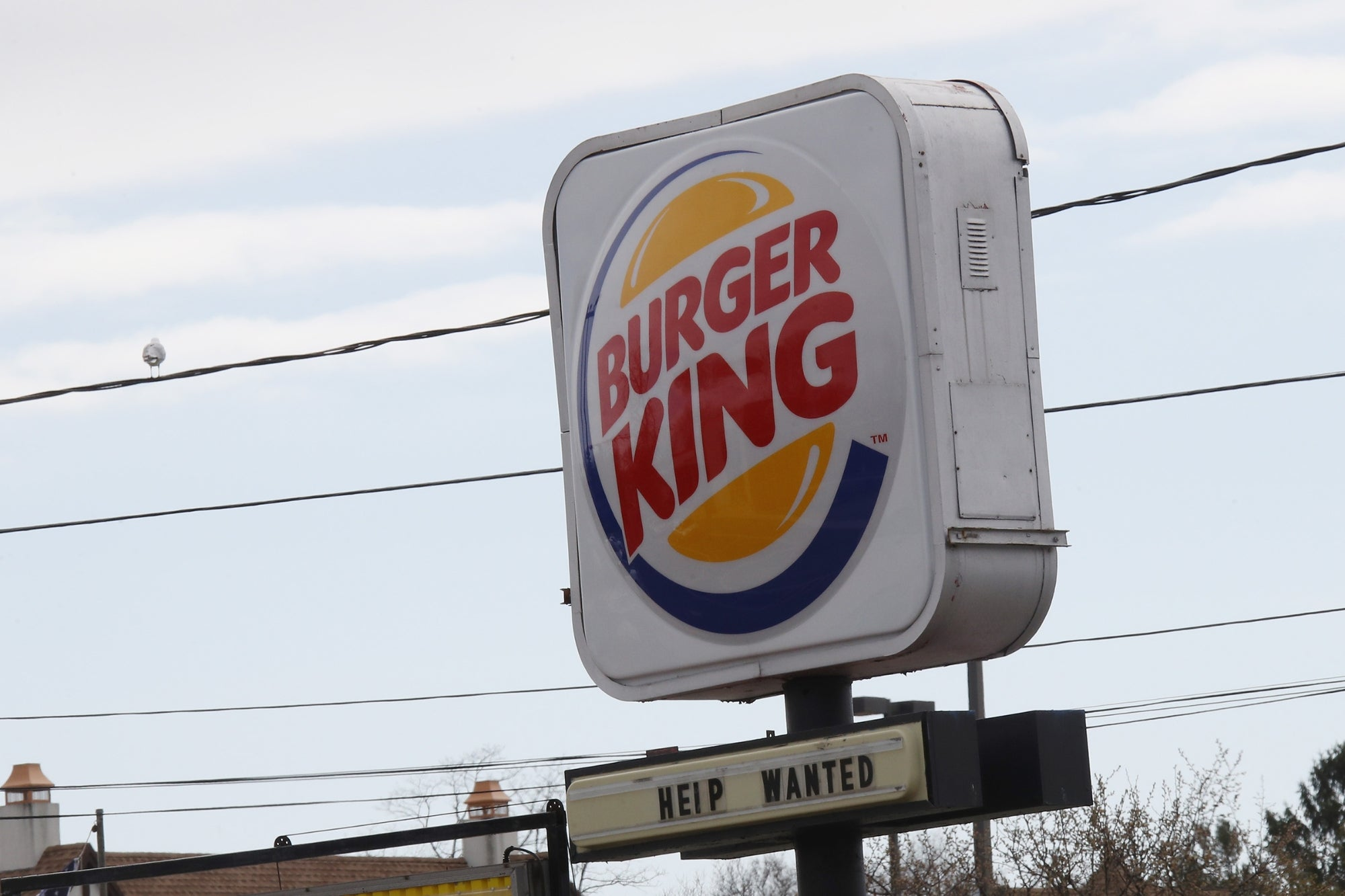 9 Employees at a Nebraska Burger King Announced Their Resignations By Writing on the Restaurant's Billboard, 'We All Quit. Sorry for the Inconvenience'