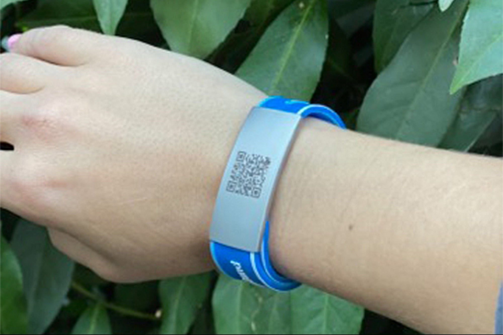 Access Your Vaccination Card Anywhere with This Bracelet