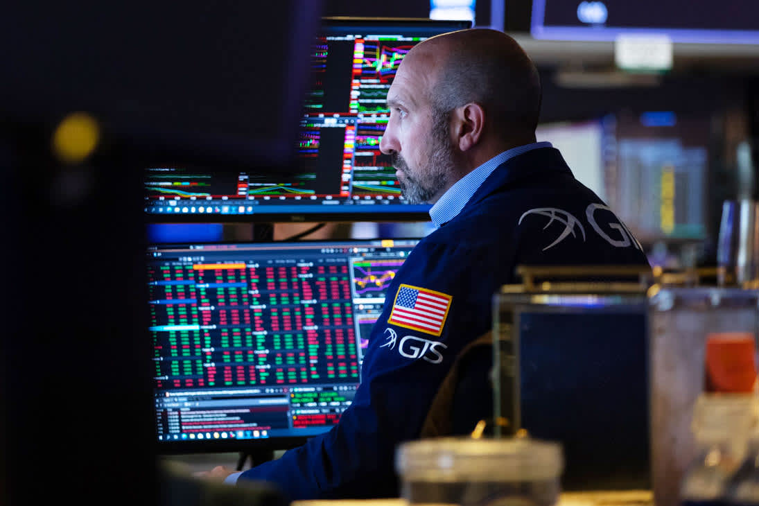 S&P 500 dips even as earnings results continue to top expectations