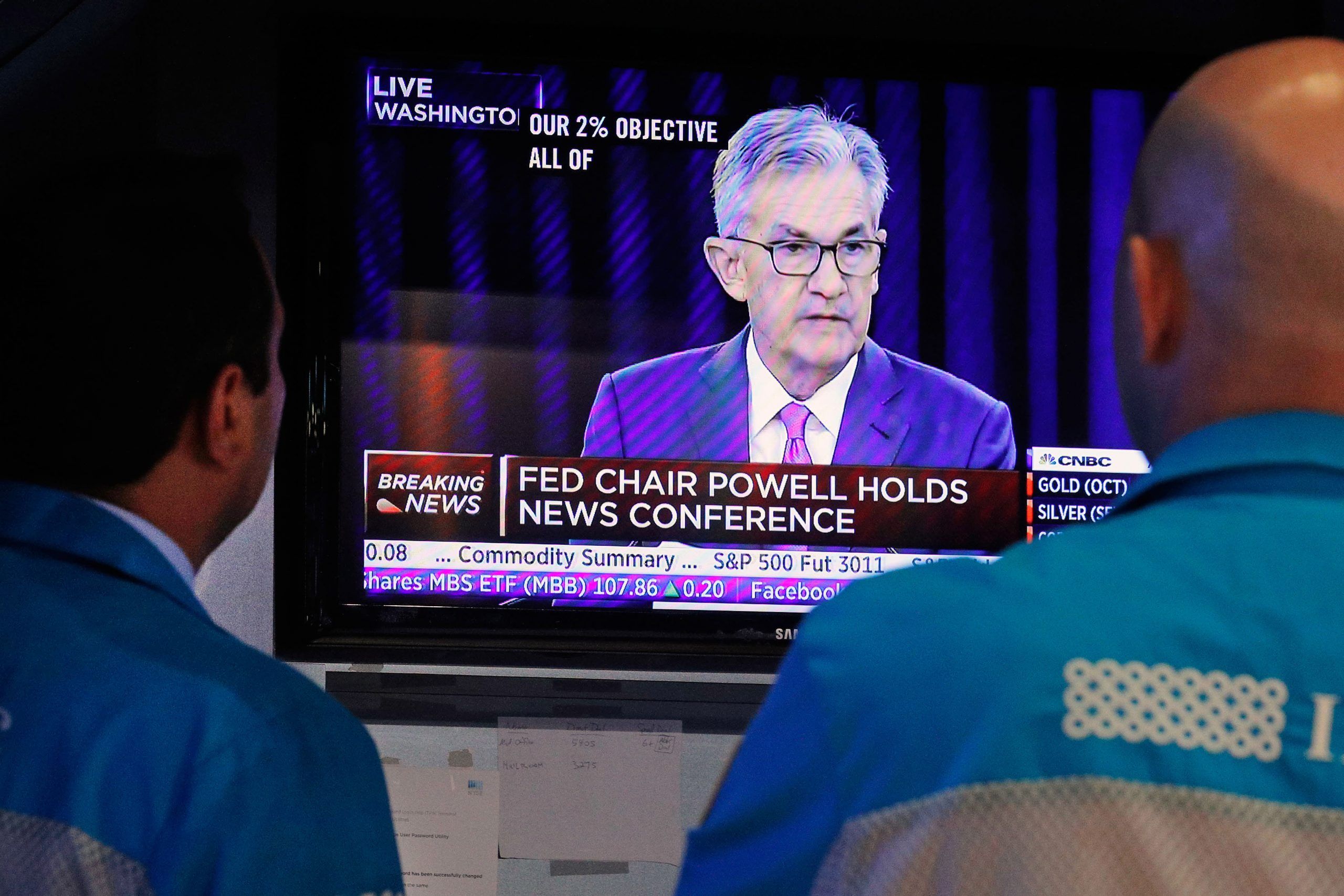 S&P 500 rises to a record as the Fed stays the course with easy policy, Apple hits all-time high