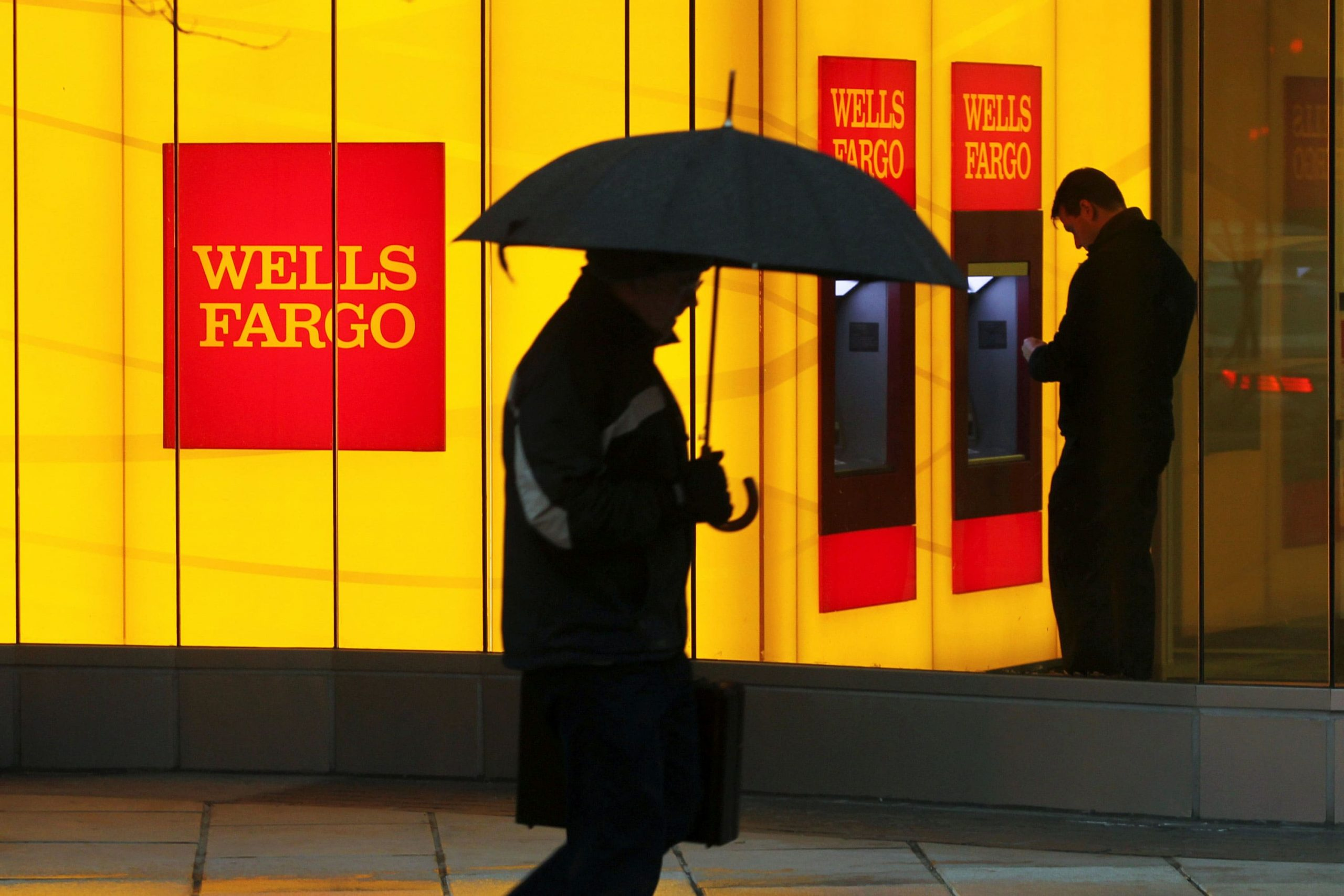 Wells Fargo tells customers it's shuttering all personal lines of credit